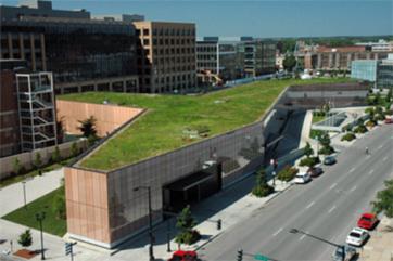 20-public-library-living-green-roof-des-moines-iowat.jpg