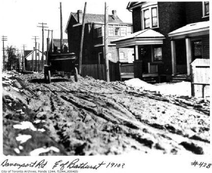 Davenport_Bathurst-1906x.jpg