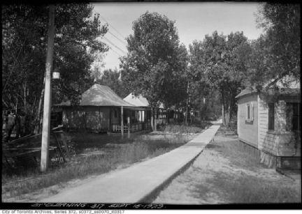 Toronto_Island_houses-1929x.jpg