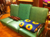deco_couch_with_bakelite_armst.jpg