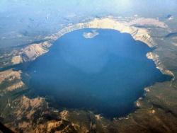 00-0-Copr_2012_Joe_Middleton_crater_laket.jpg