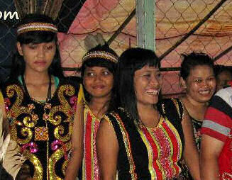 28-0-Copr_2013_Bombastic_Borneo.jpg