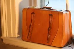Suitcase_2t.jpg